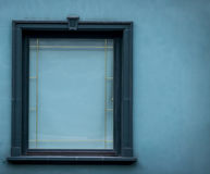 Janela verde fechado com quadro verde Foto de Stock