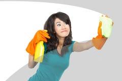 Janelas da limpeza da mulher Imagens de Stock