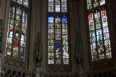 Janelas de vidro colorido coloridas, St James Church, Liege Foto de Stock Royalty Free