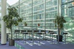 Janelas de vidro no hotel Fotos de Stock Royalty Free