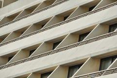 Janelas e balcões das construções Fotografia de Stock