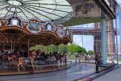 Janes Karussell am Brooklyn-Brücken-Park in New York City Stockfotos