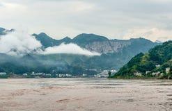 Jangcy z widokiem gór Zdjęcie Royalty Free