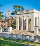 Janiculum小山的加里波第藏有古代遗骨的洞穴陵墓在罗马,意大利 免版税库存照片