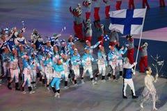 Janne Ahonyen, der die Flagge von Finnland die finnische Olympiamannschaft beim PyeongChang führend 2018 Winterolympiade trägt Stockbild