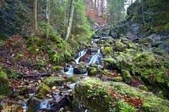 Janosikove diery - sławny turystyczny miejsce przeznaczenia w Sistani Mnóstwo siklawy, ławki, łańcuchy i strome falezy, zdjęcia royalty free