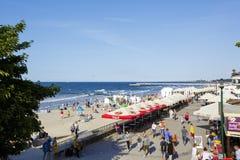Jans Szymanskis boulevard och sandiga strand Arkivfoton