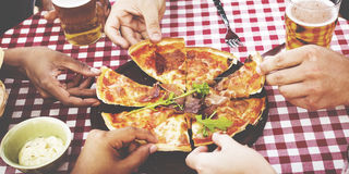 Jantando o conceito bebendo da amizade do estilo de vida da refeição matinal do jantar Imagem de Stock Royalty Free