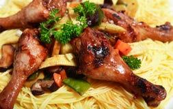 Jantar chinês do macarronete da galinha imagens de stock royalty free