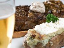 Jantar do bife e da batata Imagens de Stock Royalty Free