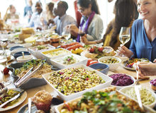 Jantar do bufete que janta o conceito do partido da celebração do alimento foto de stock