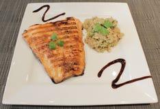 Jantar dos salmões e do Quinoa fotografia de stock