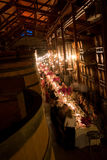 Jantar em uma adega de vinho Imagens de Stock Royalty Free