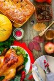Jantar festivo para a ação de graças Pratos tradicionais da ação de graças fotografia de stock