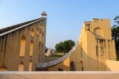 Jantar Mantar, complejo de arquitecturas con la función de instrumentos astronómicos en Jaipur, la India imágenes de archivo libres de regalías