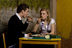 Jantar romântico na pizaria Imagem de Stock Royalty Free