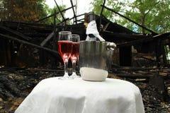 Jantar romântico nas ruínas Imagem de Stock Royalty Free