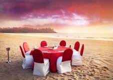 Jantar tropical romântico fotografia de stock