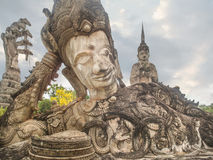 1. Januar 2009: Stützender Buddha in Buddha-Park-Sala Kaew Ku-Ne Lizenzfreie Stockfotografie