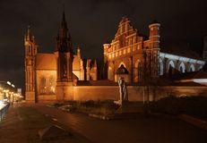 Januari afton och kyrkan av St Anne I Arkivbilder