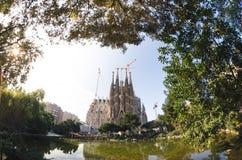 31 januari 2016 Barcelona, Spanje De werkzaamheden aangaande Sagrada Familia Kathedraal vorderen Stock Foto's