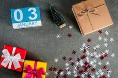 3 januari Beeld 3 dag van januari-maand, kalender bij Kerstmis en gelukkige nieuwe jaarachtergrond met giften Royalty-vrije Stock Afbeelding