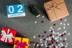 2 januari Beeld 2 dag van januari-maand, kalender bij Kerstmis en gelukkige nieuwe jaarachtergrond met giften Stock Foto's