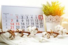 6 januari Dag 6 van maand op witte kalender Royalty-vrije Stock Afbeeldingen