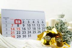 1 januari Dag 1 van maand op witte kalender Concept gelukkig Royalty-vrije Stock Foto's