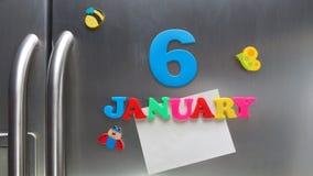 6 januari kalenderdatum met plastic magnetische brieven wordt gemaakt die Royalty-vrije Stock Afbeelding