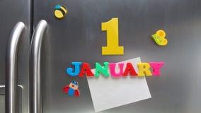 1 januari kalenderdatum met plastic magnetische brieven wordt gemaakt die Royalty-vrije Stock Afbeelding