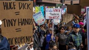 JANUARI 21, 2017, LOS ANGELES, CA 750.000 deltar i kvinnors mars, aktivister som protesterar Donald J Trumf i den största natione Fotografering för Bildbyråer