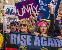 JANUARI 21, 2017, LOS ANGELES, CA Jane Fonda deltar i kvinnors mars, 750.000 aktivister som protesterar Donald J Trumf i natio Royaltyfria Foton