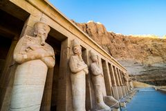 Januari 2018 - Luxor, Egypten Den stora templet av Hatshepsut, Karnak, Luxor, Egypten royaltyfri fotografi