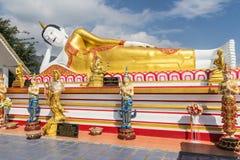 10 / Januari/18 på den stora Buddha, Wat Phra That Doi Kham Gränsmärket av byinvånarna Det är en respectf Royaltyfria Foton