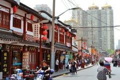 7 JANUARI 2017 - SHANGHAI, CHINA - Winkels omringt de Yu-Tuin in het centrum van de oude stad van Shanghai Royalty-vrije Stock Foto