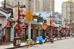 7 JANUARI 2017 - SHANGHAI, CHINA - Winkels omringt de Yu-Tuin in het centrum van de oude stad van Shanghai Royalty-vrije Stock Foto's