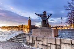 21 januari, 2017: Standbeeld van een musicus door het stadhuis van Voorraad Stock Foto