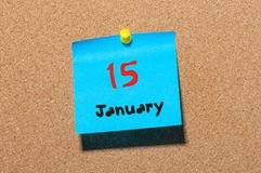 Januari 15th Dag 15 av månaden, kalender på korkanslagstavla vinter för blommasnowtid Tomt avstånd för text Arkivfoton