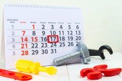Januari 17th Dag 17 av månaden på den vita kalendern och leksaken Dag av Arkivfoton