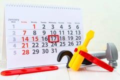 Januari 17th Dag 17 av månaden på den vita kalendern och leksaken Dag av Arkivfoto