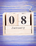 Januari 8th Datum av 8 Januari på träkubkalender Fotografering för Bildbyråer