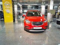 21 januari, van de de autotoonzaal van de Oekraïne Kiev van 2018 de presentatie van Opel Stock Afbeeldingen