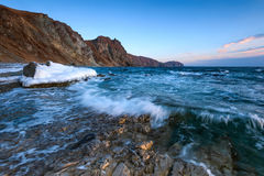 January morning on the shore of the cold sea. Stock Photography