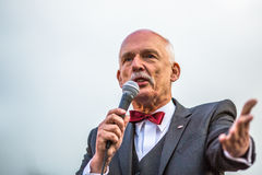 Janusz Korwin-Mikke eller JKM, är en konservativ liberalpolermedelpolitiker Arkivfoto