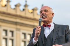 Janusz Korwin-Mikke eller JKM, är en konservativ liberalpolermedelpolitiker Arkivbild