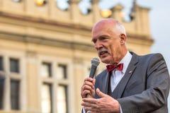 Janusz Korwin-Mikke eller JKM, är en konservativ liberalpolermedelpolitiker Royaltyfria Bilder