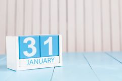 31 janvier jour 31 du mois, calendrier sur le fond en bois Hiver au concept de travail L'espace vide pour le texte Image stock