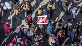 21 JANVIER 2017, LOS ANGELES, CA La vue aérienne de 750.000 participent en mars des femmes, activistes protestant Donald J Atout  Images libres de droits