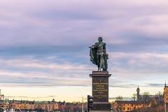 21 janvier 2017 : Statue Gustav III par le palais royal des actions Images libres de droits